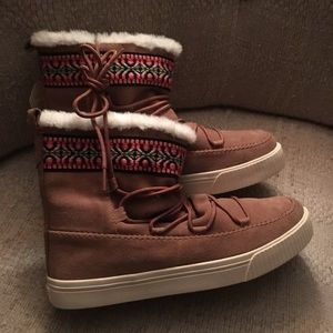 Toms suede Booties size 9
